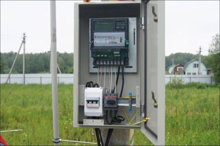 Установка электросчетчика в частном доме на улице — схема подключения и правила установки